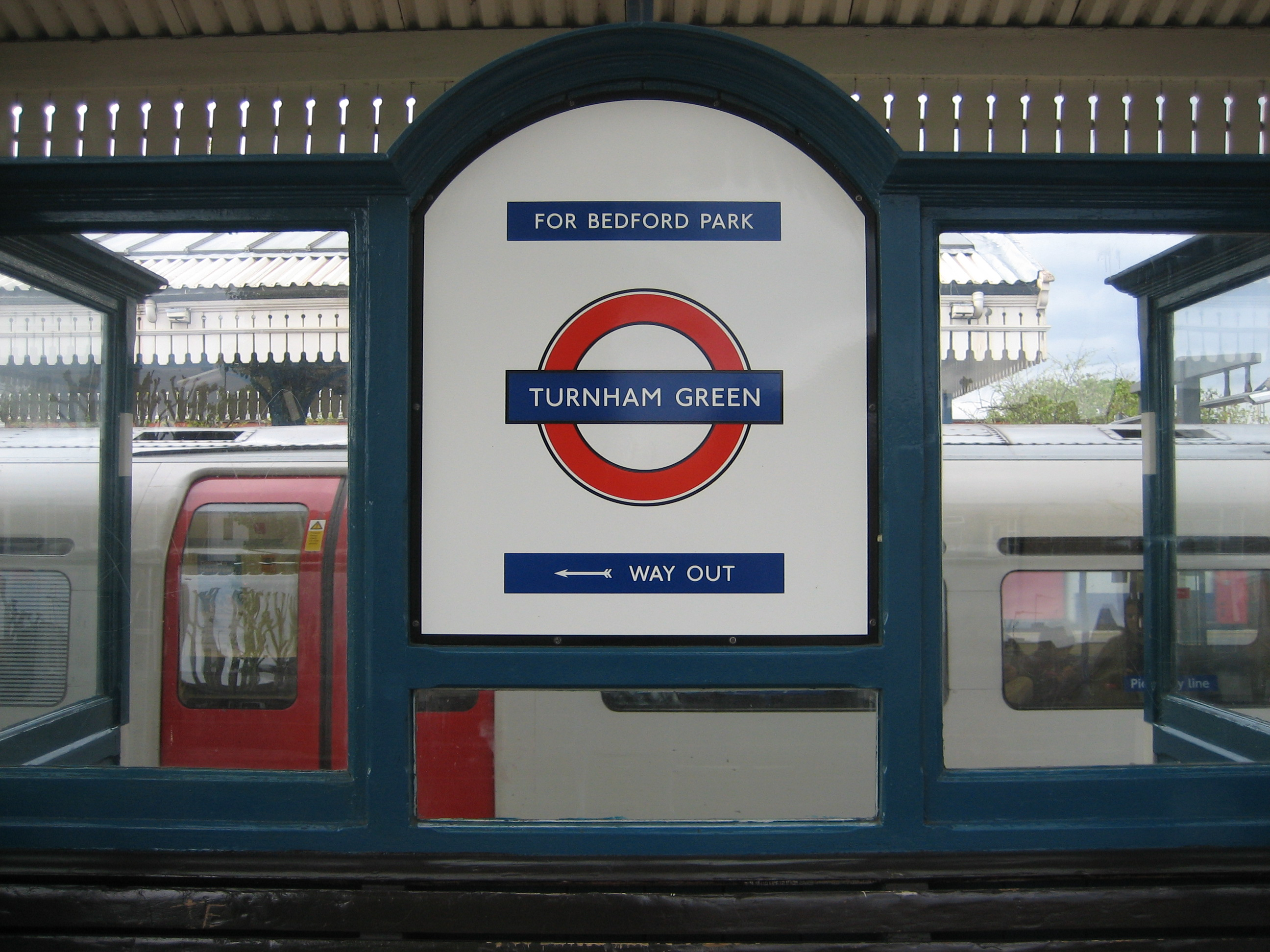 25. The benches at Turnham Green | 150 great things about the Underground