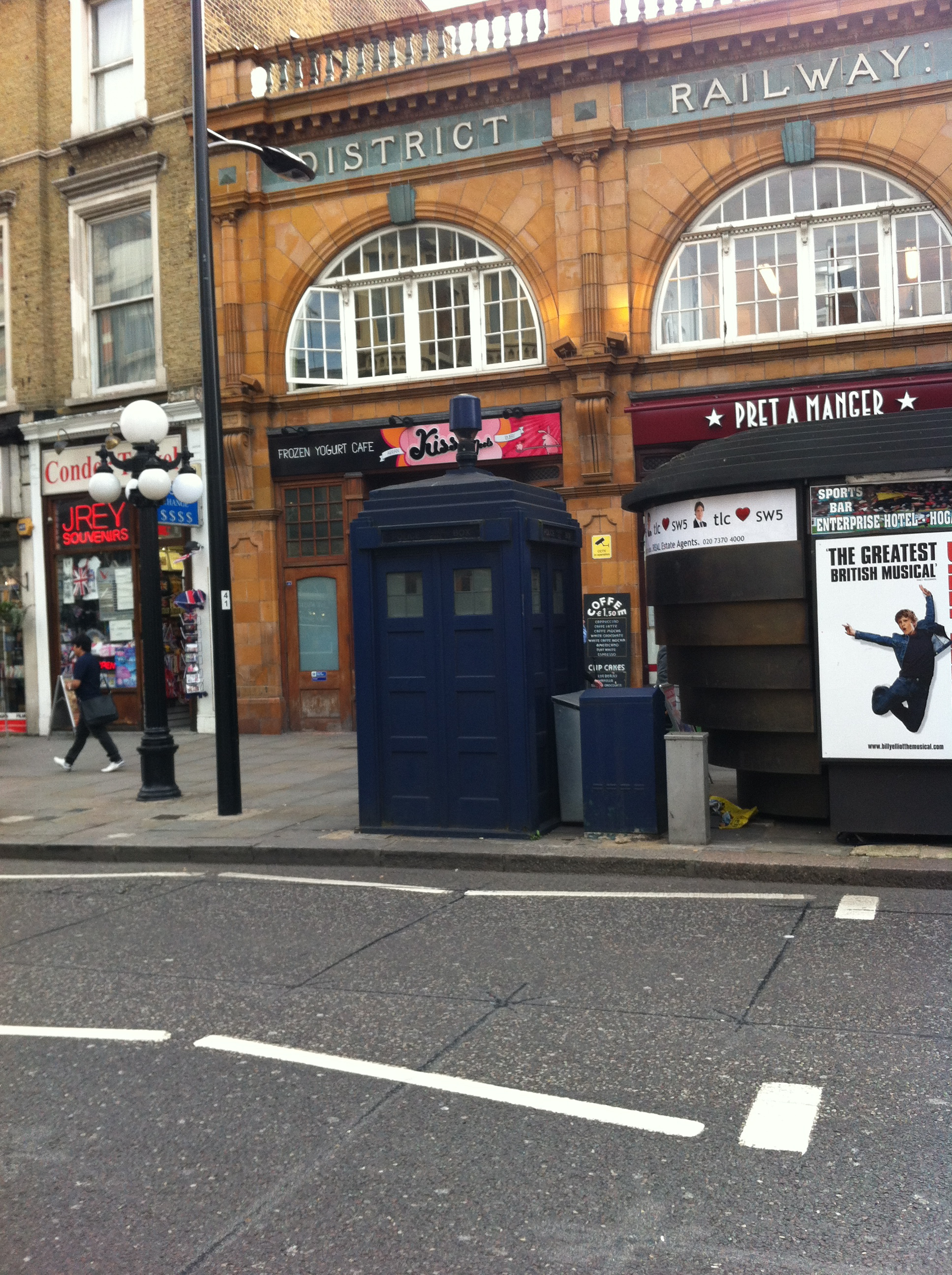 45 the police box outside earl s court 150 great things. Black Bedroom Furniture Sets. Home Design Ideas
